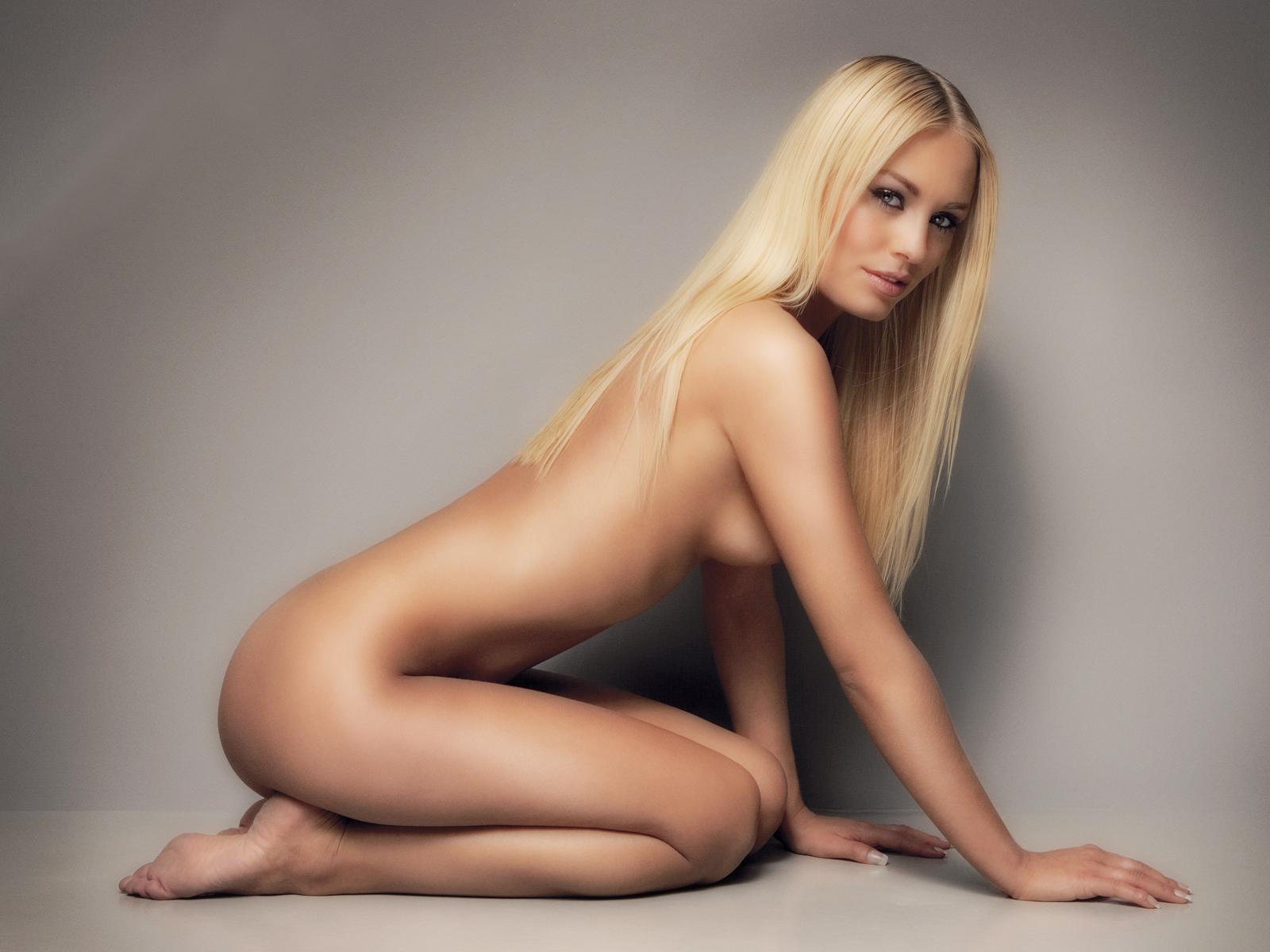 Фото самых красивых девушек голые 4 фотография