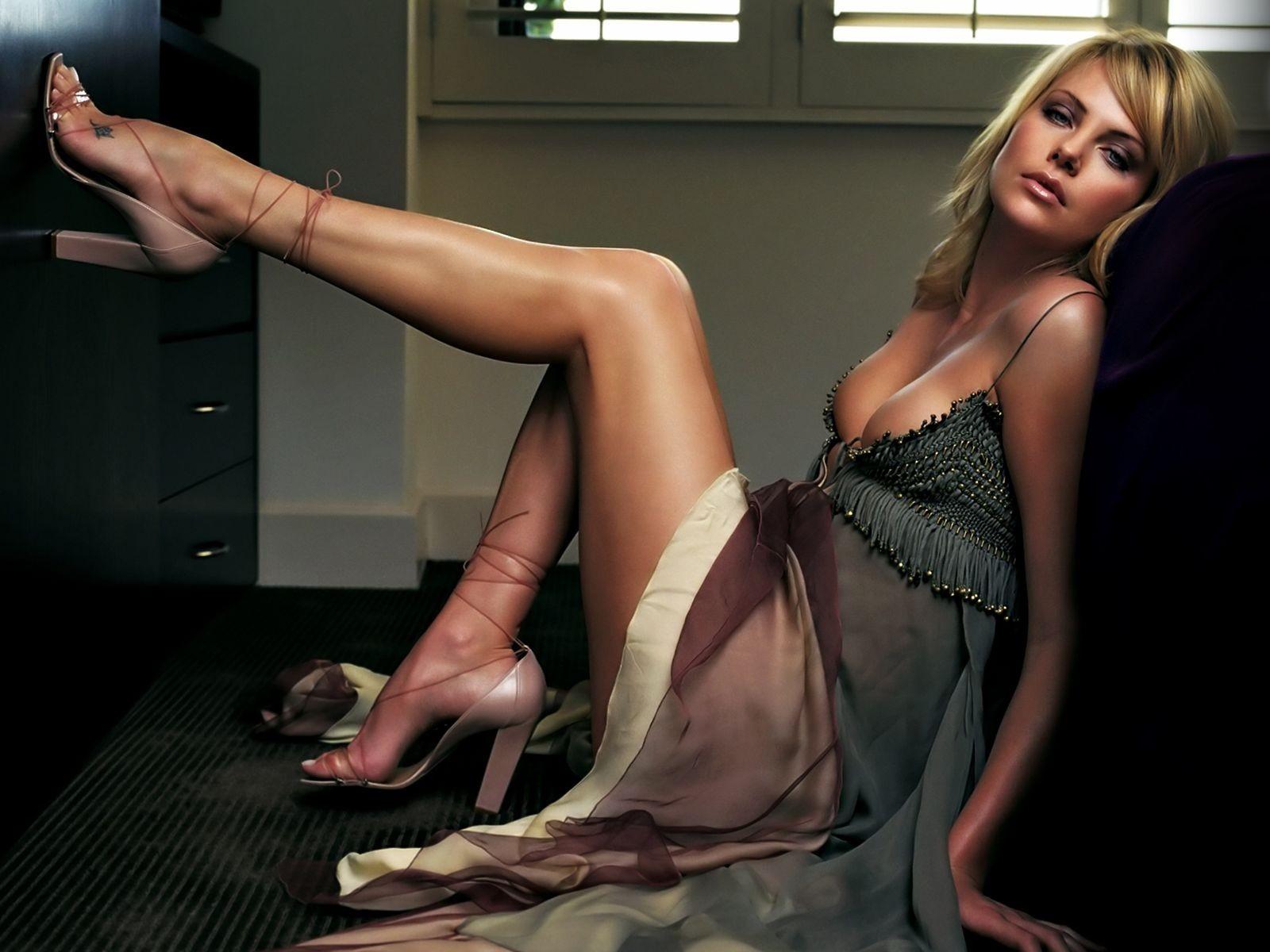 Фотографии ступней женщин 24 фотография